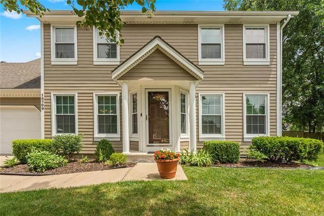 15709 W 150th Terrace, Olathe, KS 66062 (#2228871) :: Eric Craig Real Estate Team