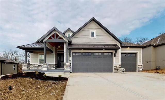 128 NW Mackenzie Drive, Lee's Summit, MO 64081 (#2228915) :: Eric Craig Real Estate Team