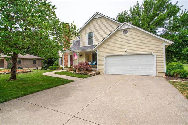 2007 Hidden Valley Drive, Pleasant Hill, MO 64080 (#2228979) :: House of Couse Group