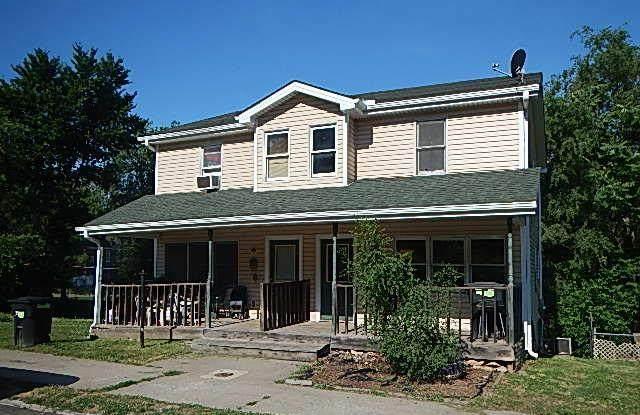 810 N 6th Street, St Joseph, MO 64505 (#2228981) :: Ron Henderson & Associates