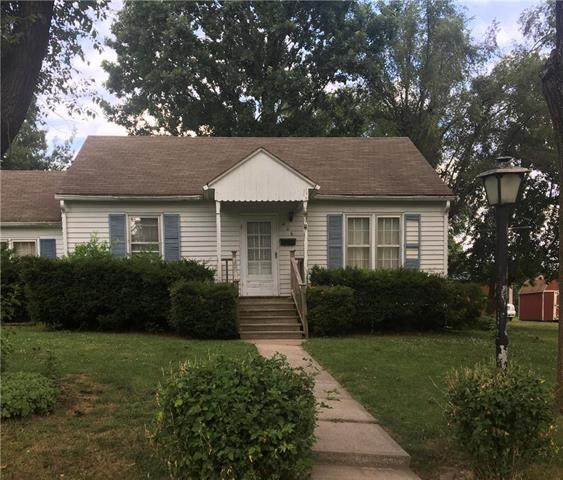 406 N Armstrong Street, Pleasant Hill, MO 64080 (#2229019) :: House of Couse Group