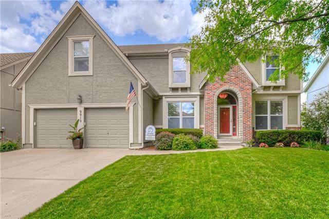 9910 W 129 Street, Overland Park, KS 66213 (#2229049) :: House of Couse Group