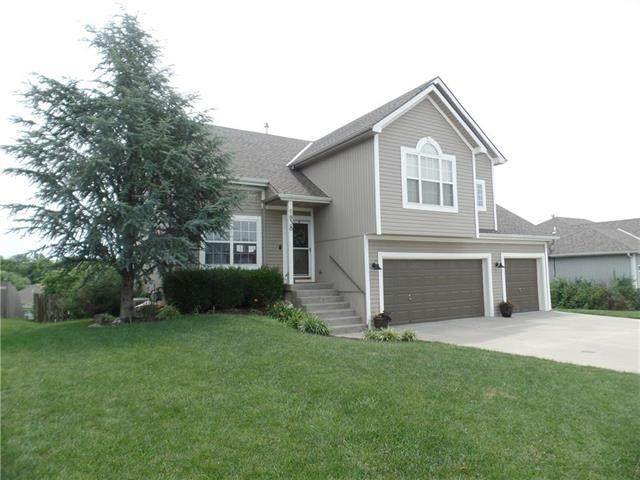1838 White Tail Lane, Liberty, MO 64068 (#2229123) :: House of Couse Group