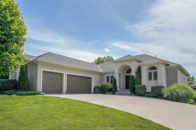 4481 SW Raintree Shore Drive, Lee's Summit, MO 64082 (#2229135) :: House of Couse Group