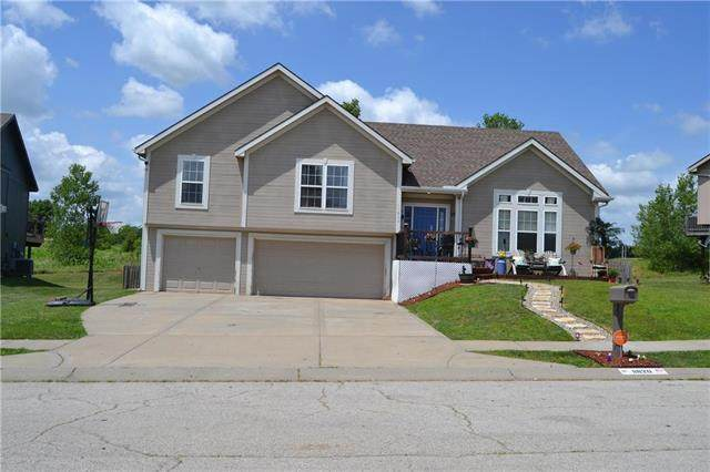 11820 N Belmont Avenue, Kansas City, MO 64156 (#2229161) :: House of Couse Group
