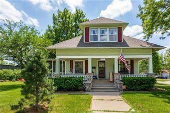 319 W Cedar Street, Olathe, KS 66061 (#2229210) :: House of Couse Group