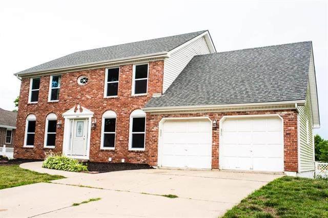 2908 S Viking Court, Independence, MO 64057 (#2229229) :: Eric Craig Real Estate Team