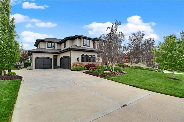 9441 W 157th Place, Overland Park, KS 66221 (#2229240) :: The Gunselman Team