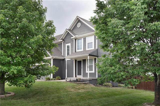 7119 Woodland Drive, Shawnee, KS 66218 (#2229320) :: Eric Craig Real Estate Team