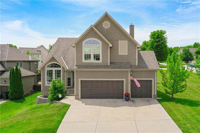 22115 W 69th Terrace, Shawnee, KS 66226 (#2229337) :: Eric Craig Real Estate Team