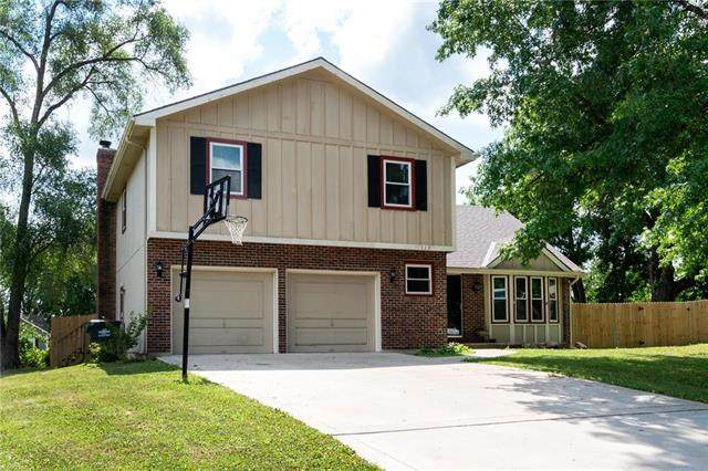 113 Crestview Court, Lansing, KS 66043 (#2229348) :: Eric Craig Real Estate Team