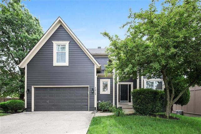7213 Cottonwood Drive, Shawnee, KS 66216 (#2229389) :: House of Couse Group