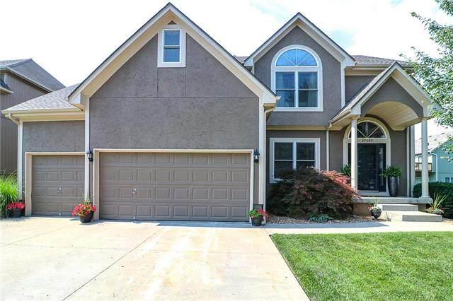 25609 E 30th Terrace, Blue Springs, MO 64015 (#2229437) :: Ron Henderson & Associates