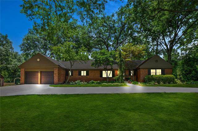2033 W 95th Street, Leawood, KS 66206 (#2229456) :: House of Couse Group