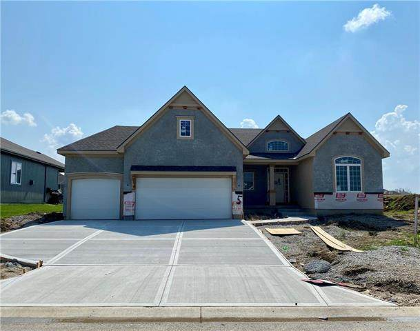 6725 Arapahoe Drive, Shawnee, KS 66226 (#2229457) :: Eric Craig Real Estate Team