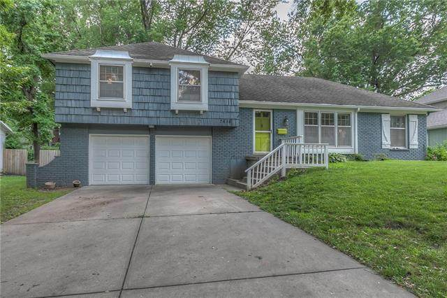 7615 W 98th Street, Overland Park, KS 66212 (#2229543) :: House of Couse Group