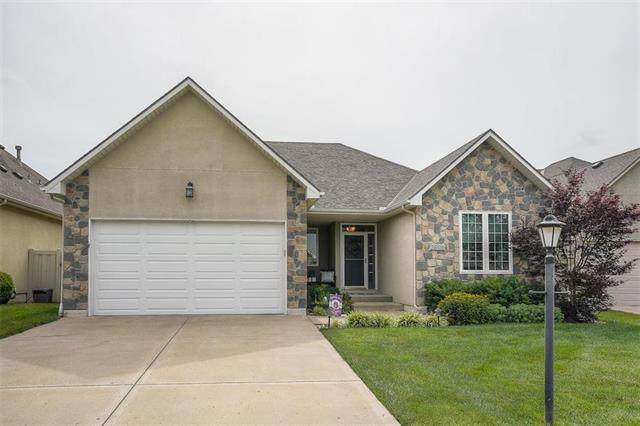 3409 SW Lois Lane, Lee's Summit, MO 64082 (#2229552) :: House of Couse Group