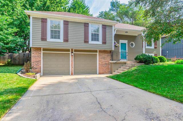 11408 W 77th Street, Shawnee, KS 66214 (#2229558) :: House of Couse Group