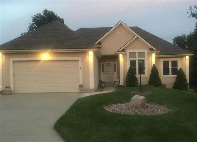 911 SW Bennington Place, Lee's Summit, MO 64081 (#2229563) :: House of Couse Group
