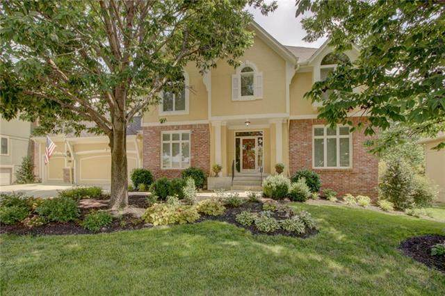 14113 Grant Street, Overland Park, KS 66221 (#2229590) :: House of Couse Group