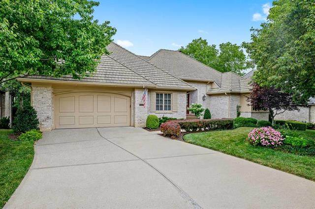 11400 High Drive, Leawood, KS 66211 (#2229593) :: The Kedish Group at Keller Williams Realty