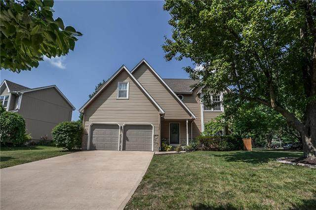 15200 Outlook Street, Overland Park, KS 66223 (#2229638) :: The Gunselman Team