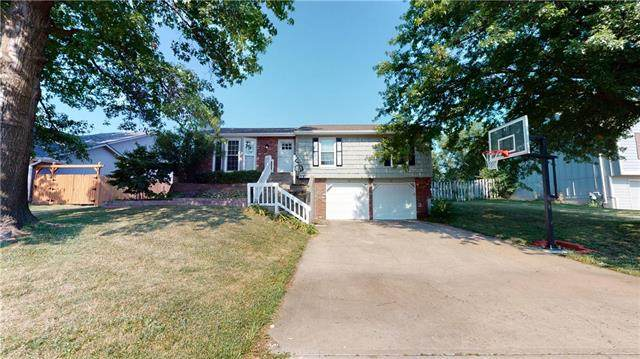 5578 Lewis Drive, Shawnee, KS 66226 (#2229661) :: House of Couse Group