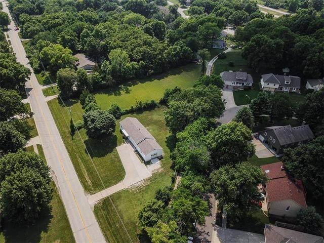 13728 Midland Drive, Shawnee, KS 66216 (#2229665) :: The Shannon Lyon Group - ReeceNichols