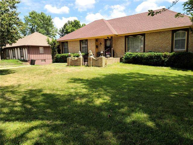 12721 Sycamore Avenue, Grandview, MO 64030 (#2229670) :: The Shannon Lyon Group - ReeceNichols