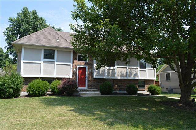 609 SE Westwind Drive, Lee's Summit, MO 64063 (#2229686) :: House of Couse Group