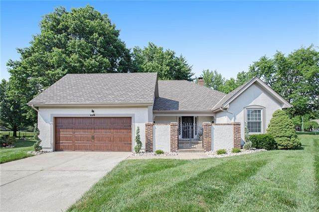 620 NE Pinehurst Street, Lee's Summit, MO 64064 (#2229701) :: Edie Waters Network