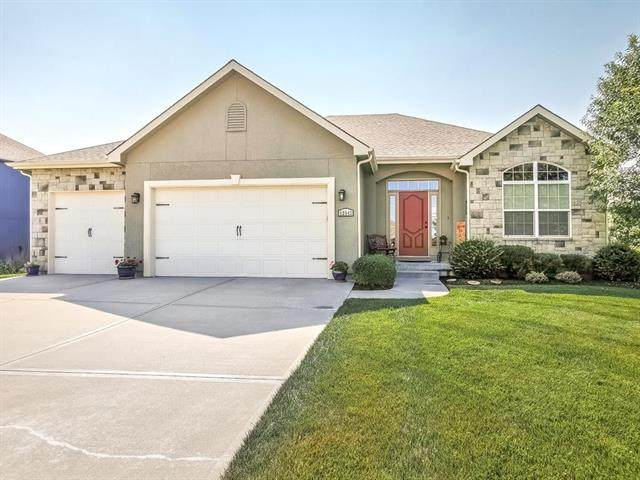 12943 Hubbard Road, Kansas City, KS 66109 (#2229755) :: House of Couse Group