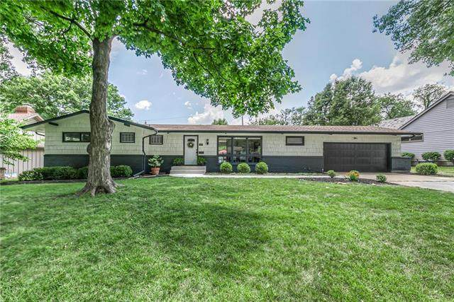 3807 W 84th Terrace, Prairie Village, KS 66206 (#2229789) :: Geraldo Pazar