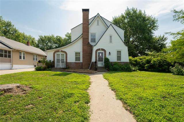 1605 S Northern Boulevard, Independence, MO 64052 (#2229823) :: Eric Craig Real Estate Team