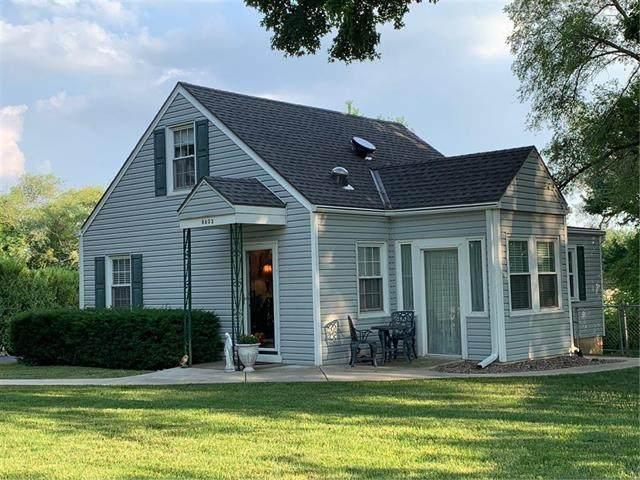 8403 NW Highridge Road, Parkville, MO 64152 (#2229827) :: Eric Craig Real Estate Team