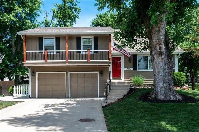 14817 S Wyandotte Drive, Olathe, KS 66062 (#2229830) :: Eric Craig Real Estate Team