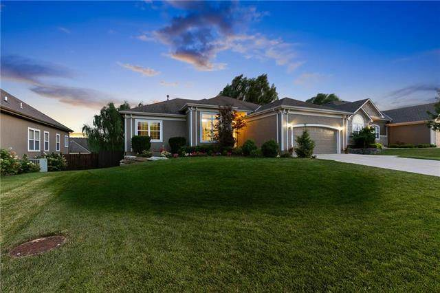 1805 E 127TH Terrace, Kansas City, MO 64146 (#2229873) :: Eric Craig Real Estate Team