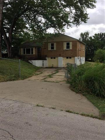 16324 E Pacific Avenue, Independence, MO 64050 (#2229903) :: Eric Craig Real Estate Team