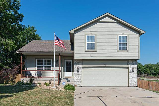3830 N 124th Street, Kansas City, KS 66109 (#2229911) :: House of Couse Group