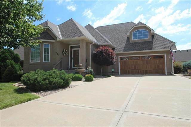 417 SW Wintergarden Drive, Lee's Summit, MO 64081 (#2229965) :: Jessup Homes Real Estate | RE/MAX Infinity