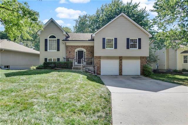 14437 Brentwood Drive, Lenexa, KS 66215 (#2229974) :: Eric Craig Real Estate Team