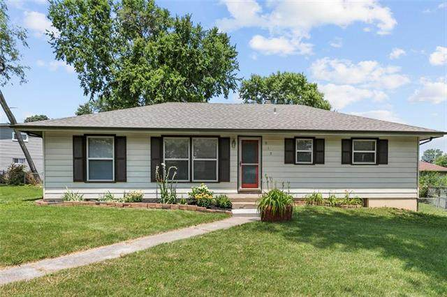 819 S Water Street, Liberty, MO 64068 (#2229994) :: The Kedish Group at Keller Williams Realty