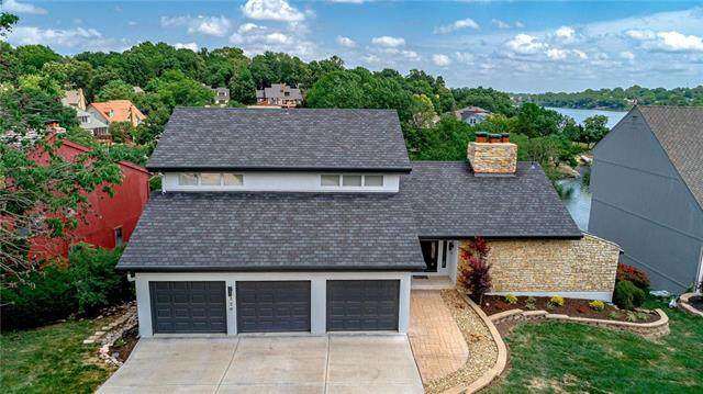 220 NW Locust Street, Lee's Summit, MO 64064 (#2230144) :: House of Couse Group