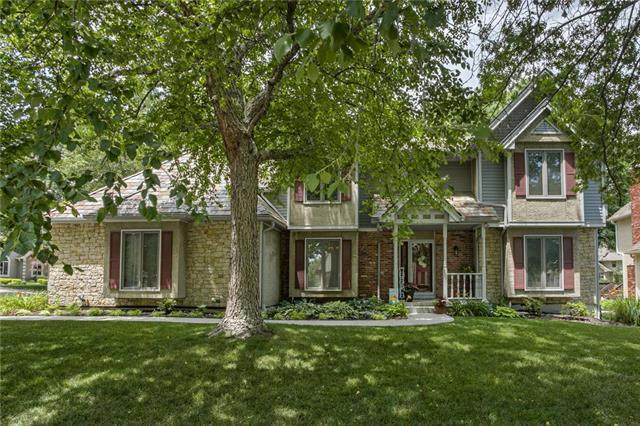 116 The Woodlands Drive, Gladstone, MO 64119 (#2230197) :: House of Couse Group