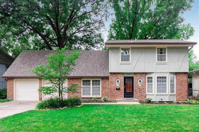 9700 Knox Drive, Overland Park, KS 66212 (#2230265) :: The Shannon Lyon Group - ReeceNichols