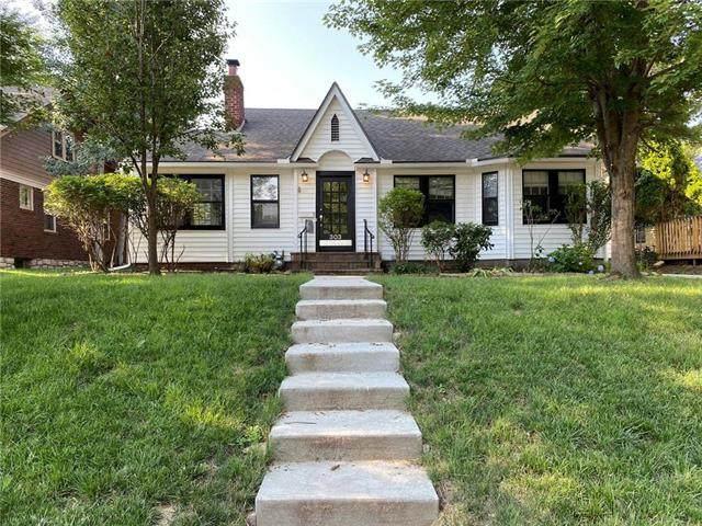 303 E 66th Terrace, Kansas City, MO 64113 (#2230274) :: House of Couse Group