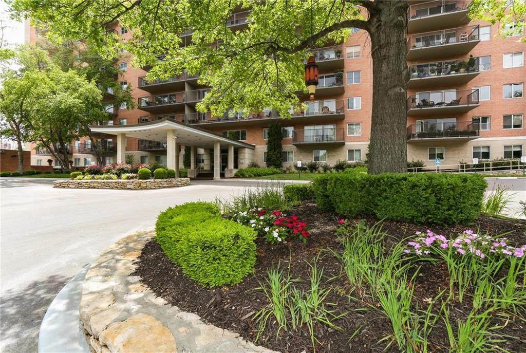 4550 Warwick Boulevard #910, Kansas City, MO 64111 (#2230359) :: Dani Beyer Real Estate