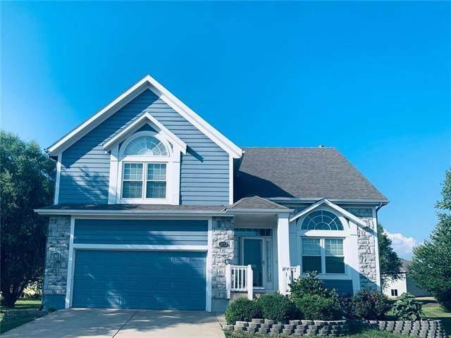 821 S Sycamore Street, Gardner, KS 66030 (#2230387) :: Audra Heller and Associates