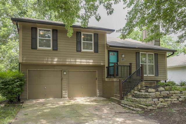14808 W 149th Terrace, Olathe, KS 66062 (#2230402) :: House of Couse Group
