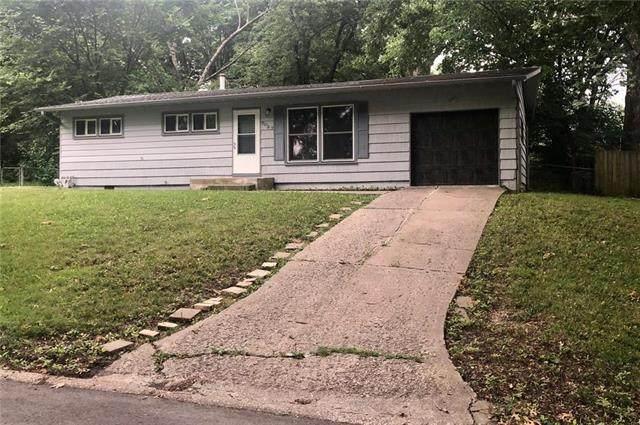 7027 NW Avalon Street, Kansas City, MO 64152 (#2230429) :: House of Couse Group